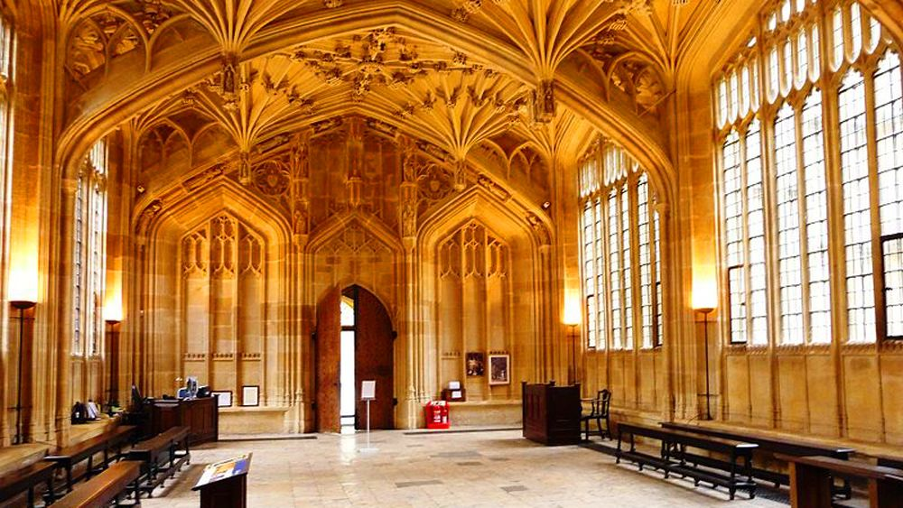 5 star rated Harry Potter in Oxford - New College Walk Tour
