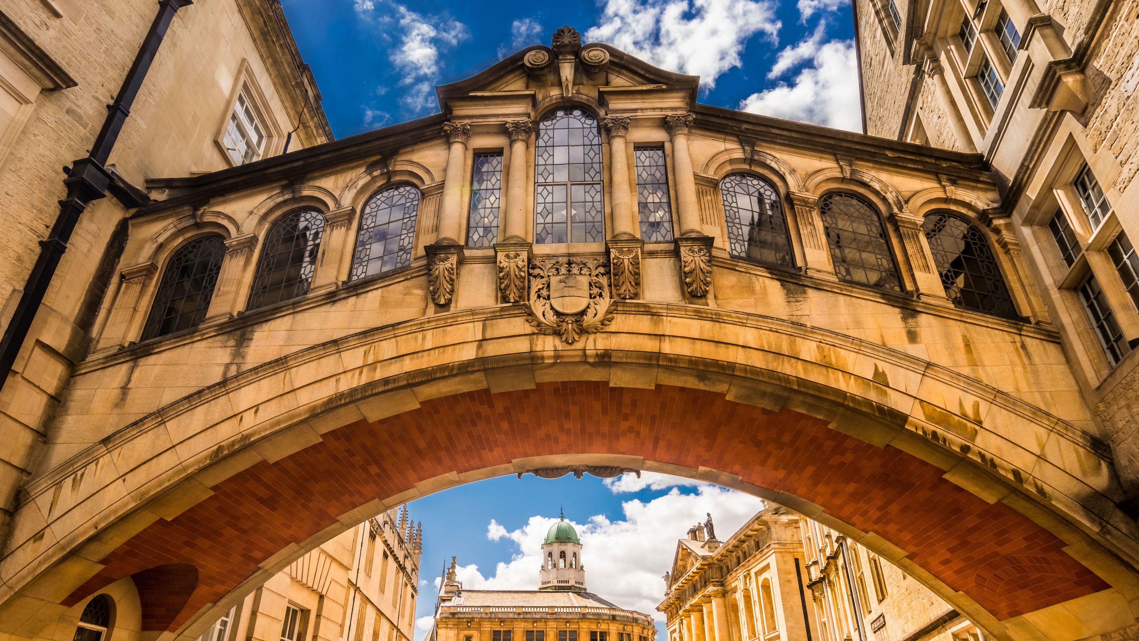 Oxford City & University Walking Tour