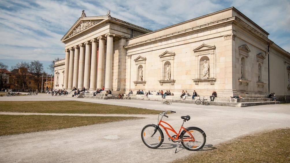Apri foto 1 di 5. Glyptothek museum in Munich
