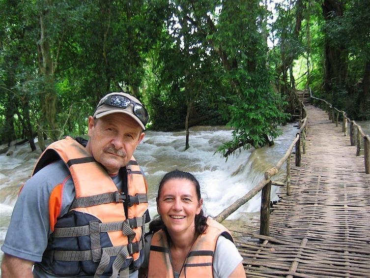 Foto 2 von 10 laden Nam Khan River Valley Hiking & Kayaking Tour with Village Visit