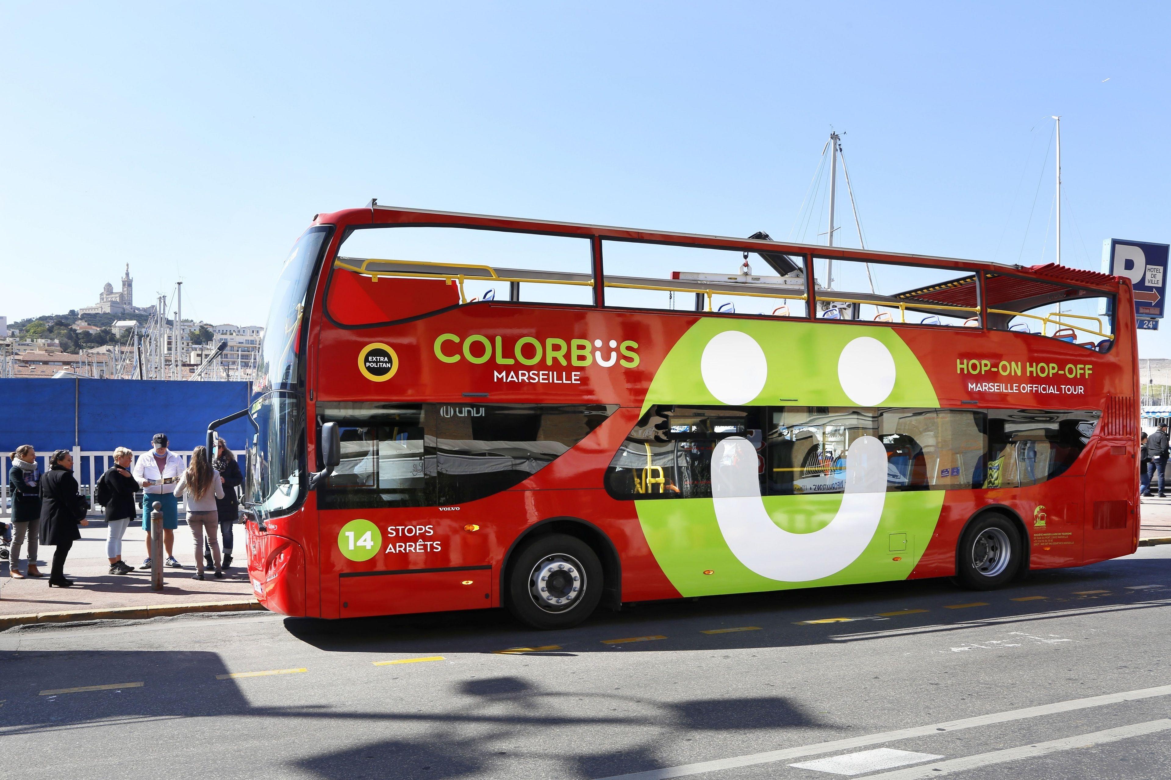 Circuit touristique à Marseille à bord d'un bus à arrêt multiple Colorbüs M...