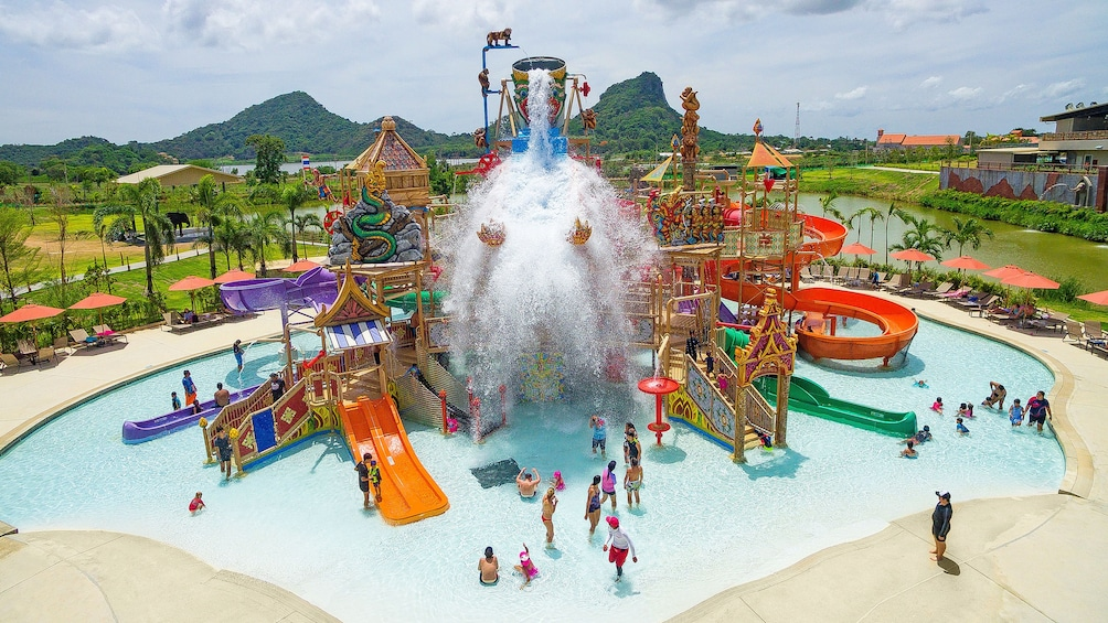 แสดงภาพที่ 4 จาก 5 View of the children area of Ramayana Water Park in Bangkok