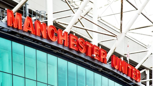 Sign to Manchester United stadium