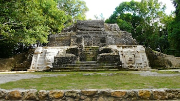 Lamanai Mayan Ruins & New River Boat Ride from Belize City
