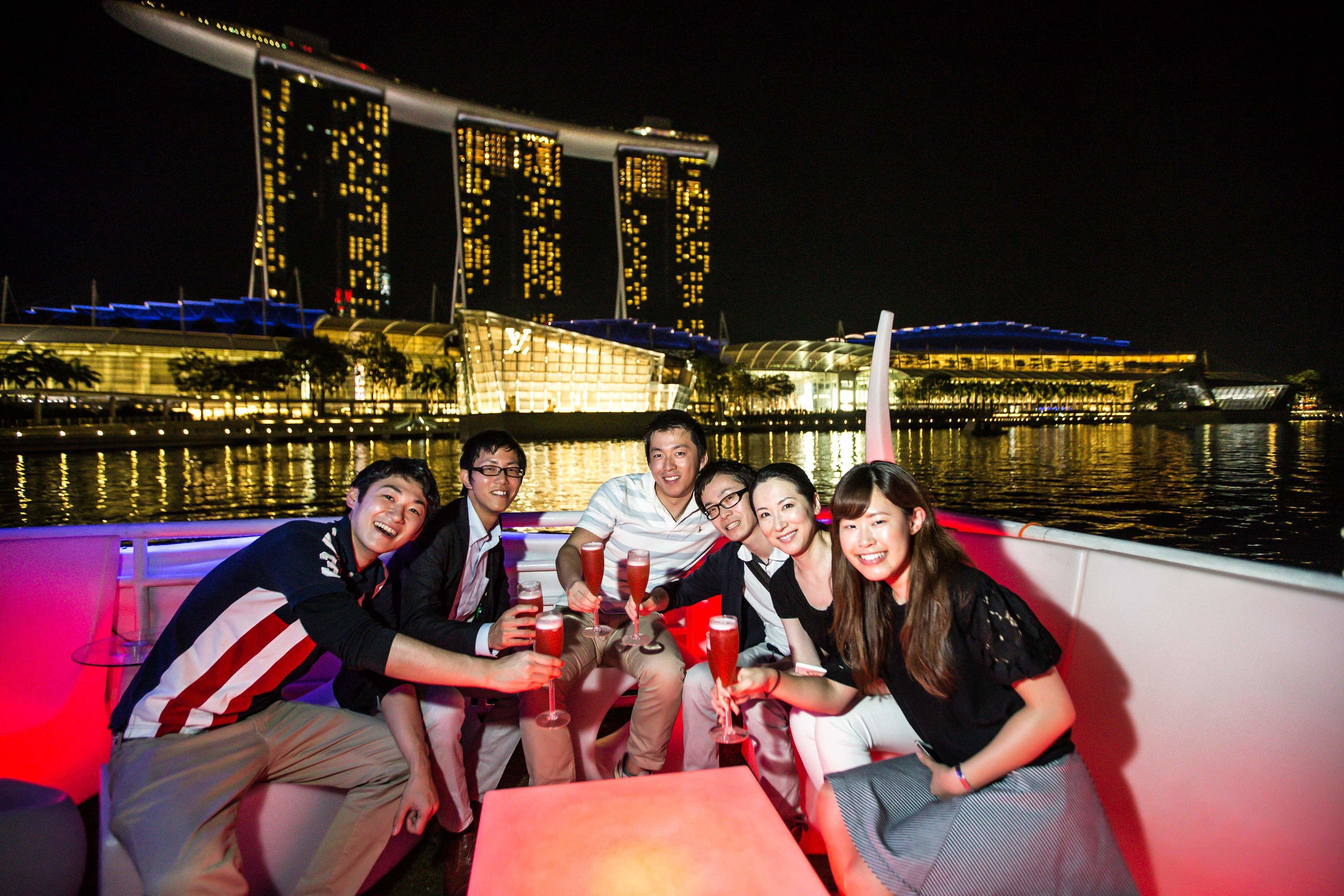 Private Singapore After Dark Local Nightlife Tour
