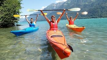Kayak Tour of the Turquoise Lake Brienz