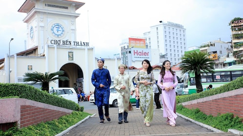 Two couples on the Ao Dai Photography Tour from Ho Chi Minh City