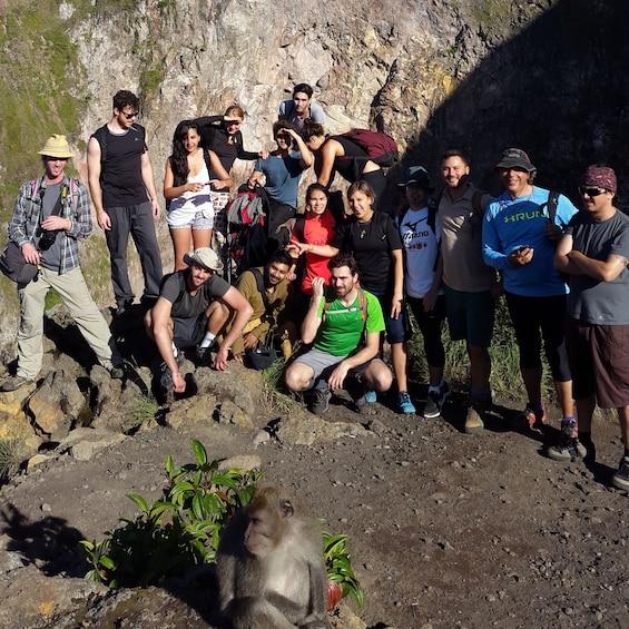 Tampilkan item 2 dari 10. A hiking group