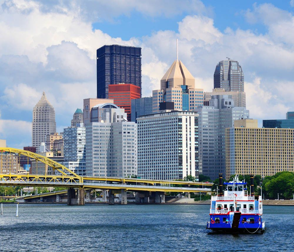 River boat traveling past Pittsburgh