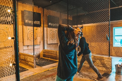 One Hour Axe Throwing Experience
