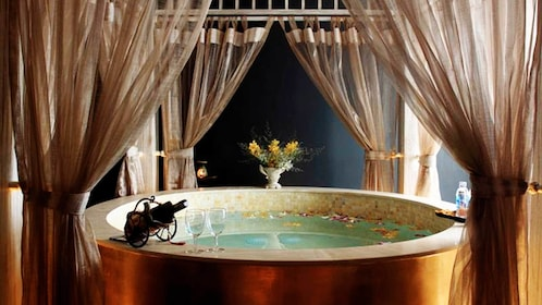 Hot bathtub for the Somatic Therapy Package in Ho Chi Minh City