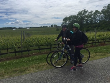Group enjoying the Weekend Self Guided Tandem Bicycle Tour in New York
