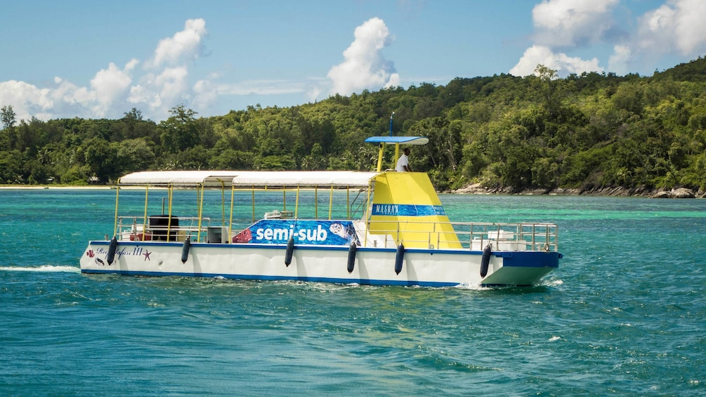Show item 5 of 5. Boat for the Full Day Reef Safari in Seychelles