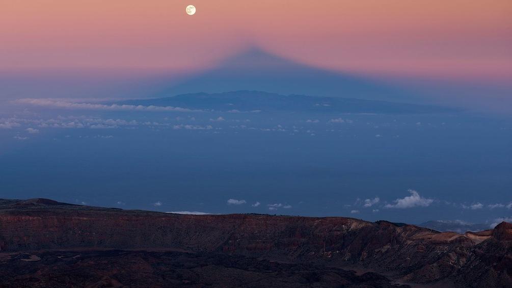 Indlæs billede 3 af 4. View from on to of Teide Volcano in Spain