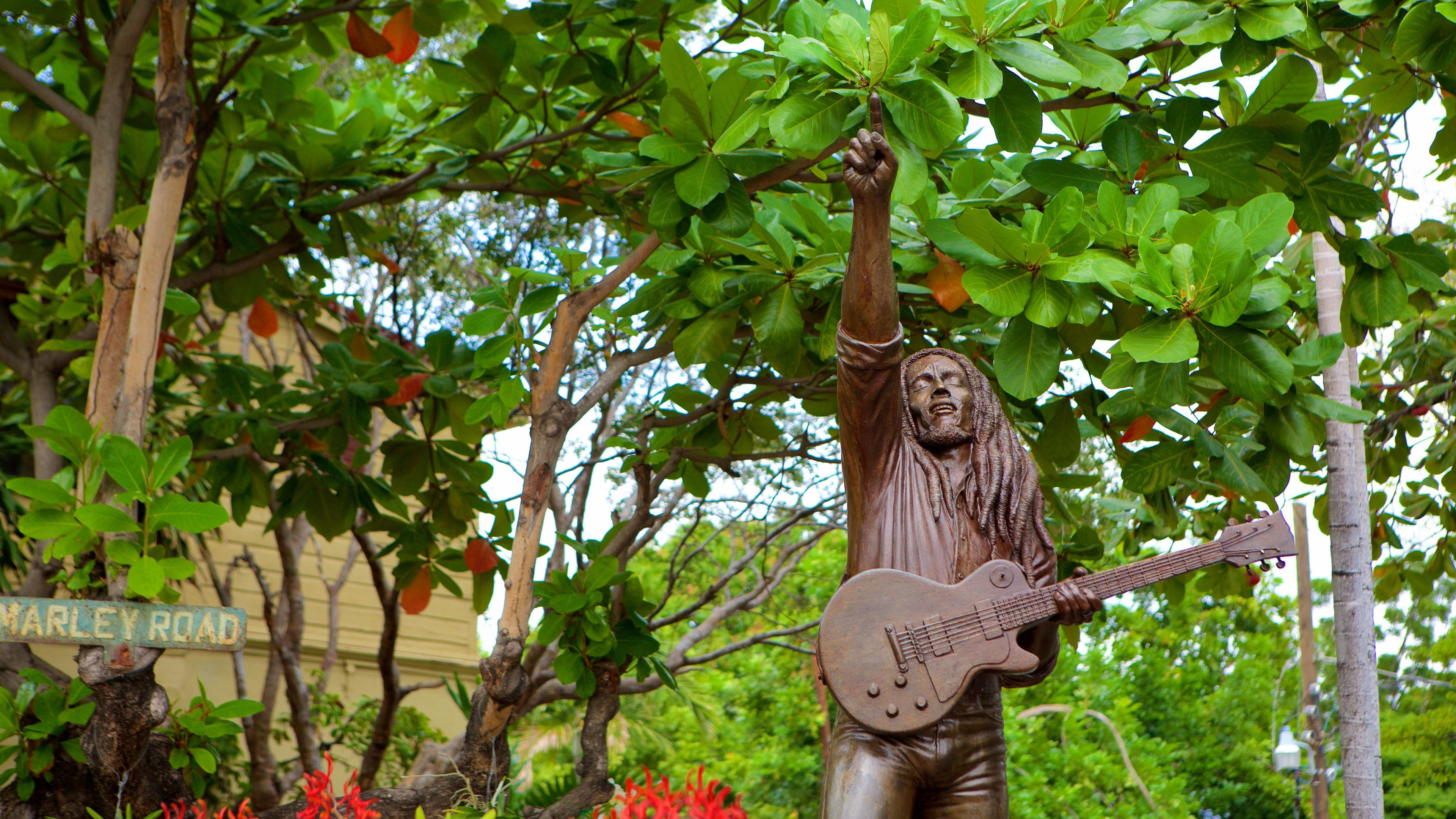 Statue of Bob Marley in Jamaica