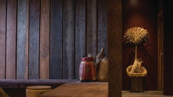 Bodia Spa Herbal Compress Massage