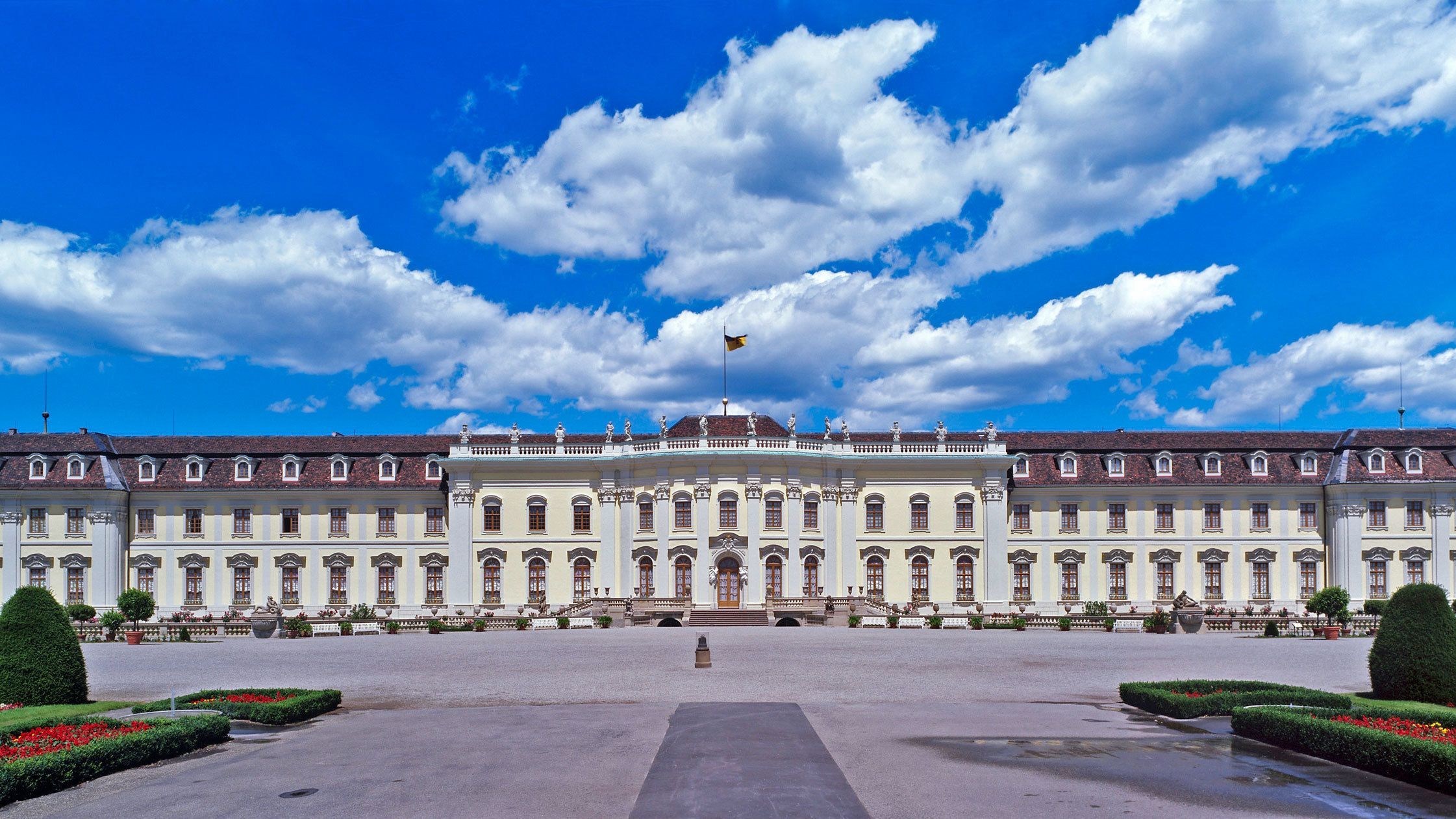 Full-Day Ludwigsburg Palace & Maulbronn Monastery Tour from Frankfurt
