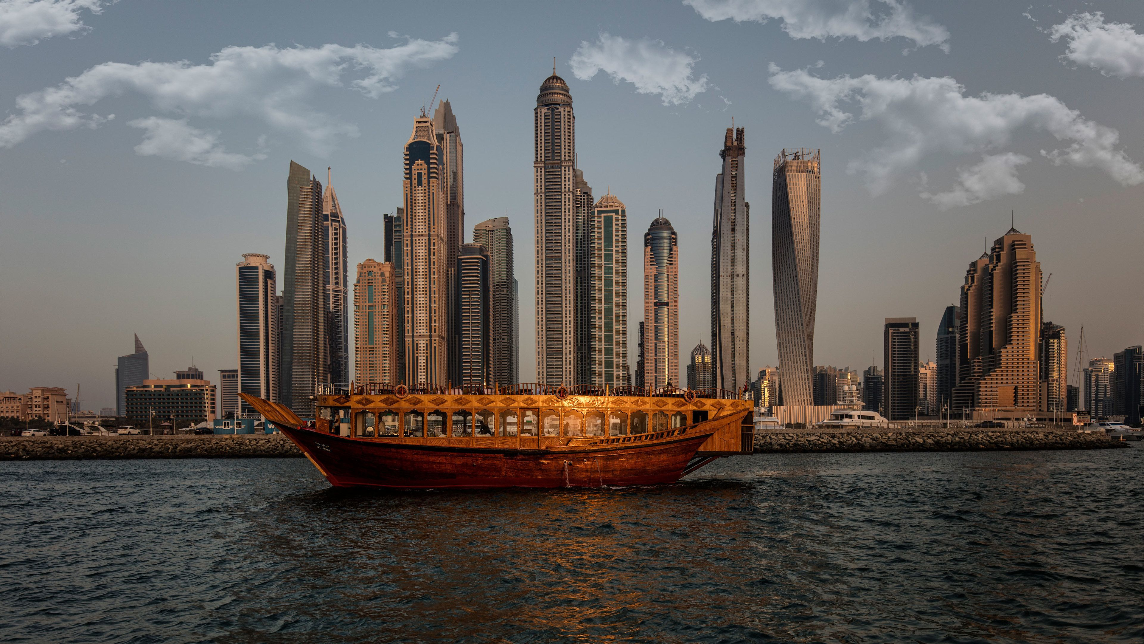 Dubai Marina Cruise with Buffet Dinner