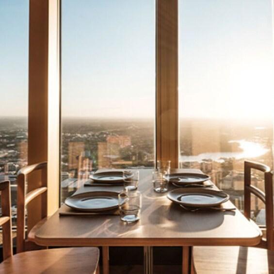 Foto 4 von 9 laden Skyfeast at Sydney Tower