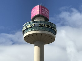 City Highlights & Beatles Guided Walk with 138m Tower Tour
