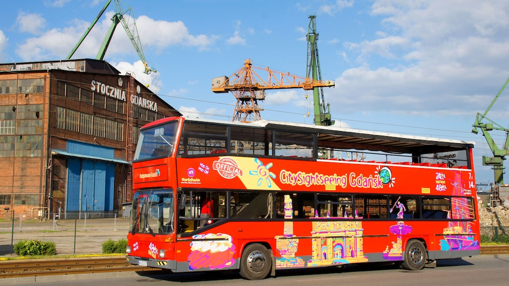 Foto 5 von 10 laden Hop on Hop Off Bus in Gdansk