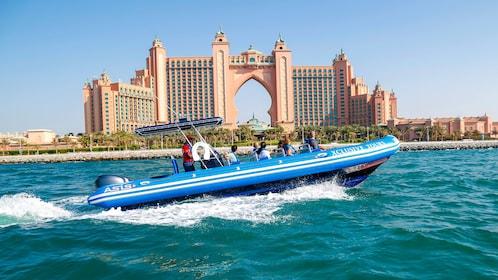 Boating tour in Dubai