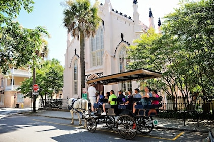 Carriage outside of historical church in Charleston