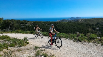 Calanques Trilogy Electric Bike Tour