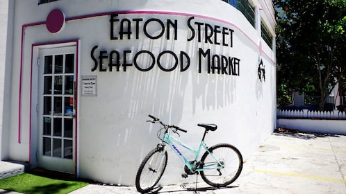 Exterior of Eaton Street Seafood Market in Florida