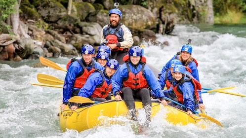 Group on the Cheakamus Lake rafting adventure