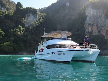 Landscape view of the catamaran tour in Thailand