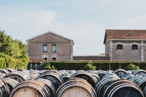 Visite-découverte de la cave des vermouths Noilly Prat avec dégustation