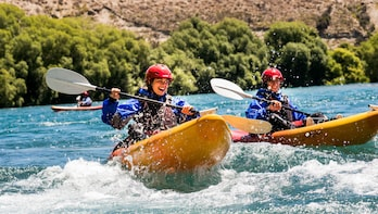 Half Day Guided Kayak Tour on the Clutha River