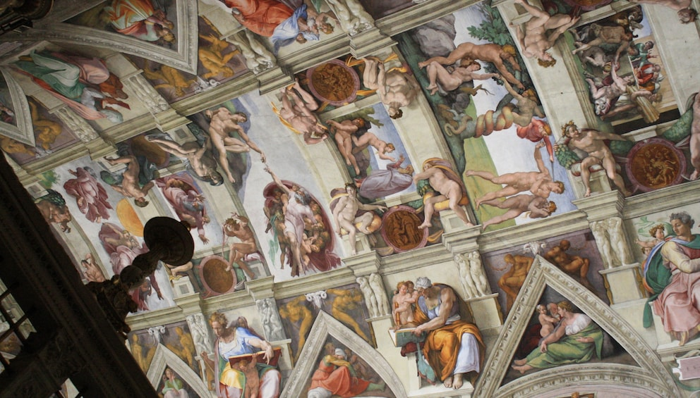 Ver elemento 1 de 9. Sistine Chapel in the Vatican City