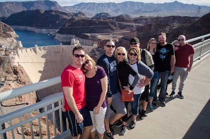Grand Canyon Helicopter Flight with Hoover Dam Photo Stop