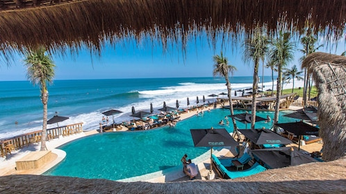 Finns Beach Club in Bali