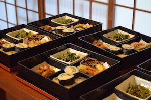 Half-Day Bento Cooking Class at Traditional House