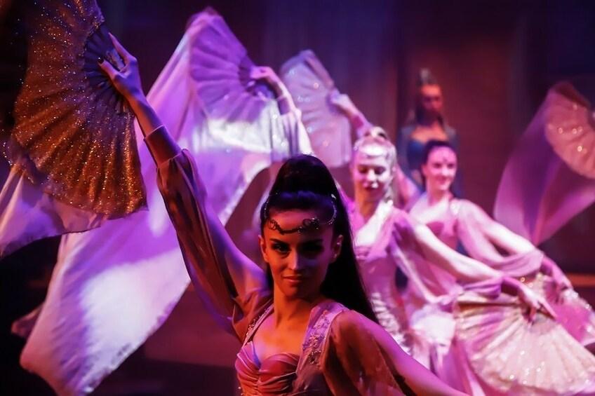 Apri foto 3 di 7. Rhythm of the Dance Show