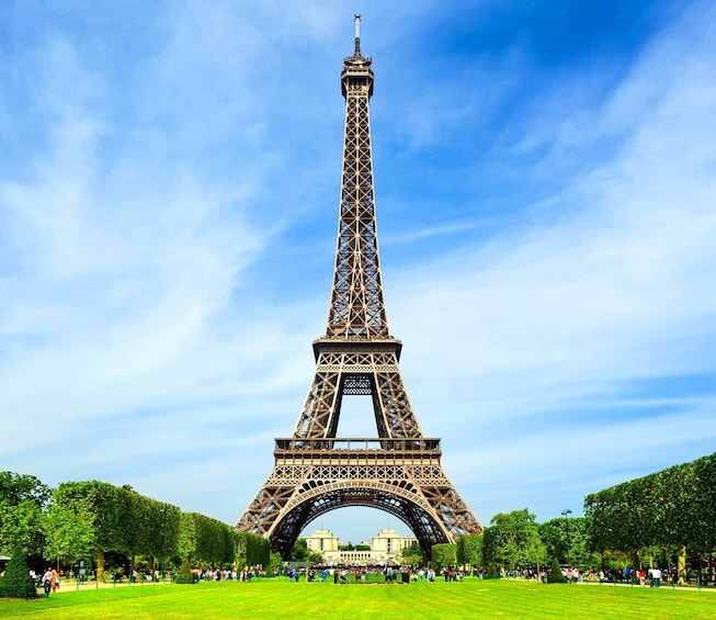 Skip the Line Eiffel Tower Summit Access with Host