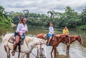 Xunantunich and horseback ride from Belize City