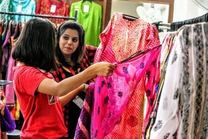 Women shopping in Delhi