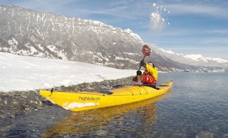 Winter Kayak Tour of the Turquoise Lake Brienz