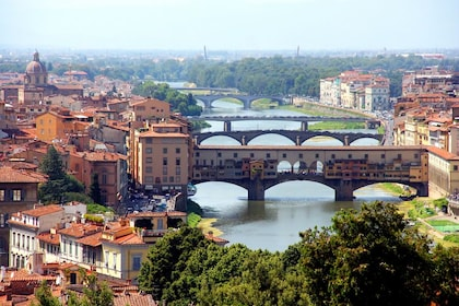 Welcome to Florence: Orientation Tour, City Stroll & Gelato