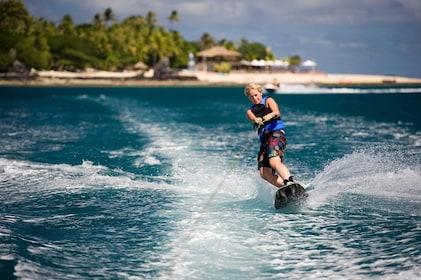 Hi_FCI_65608780_castaway-island-fiji-activities-water-sports14.jpg