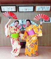 Enjoy Kimono Dressing and Traditional Japanese Dance