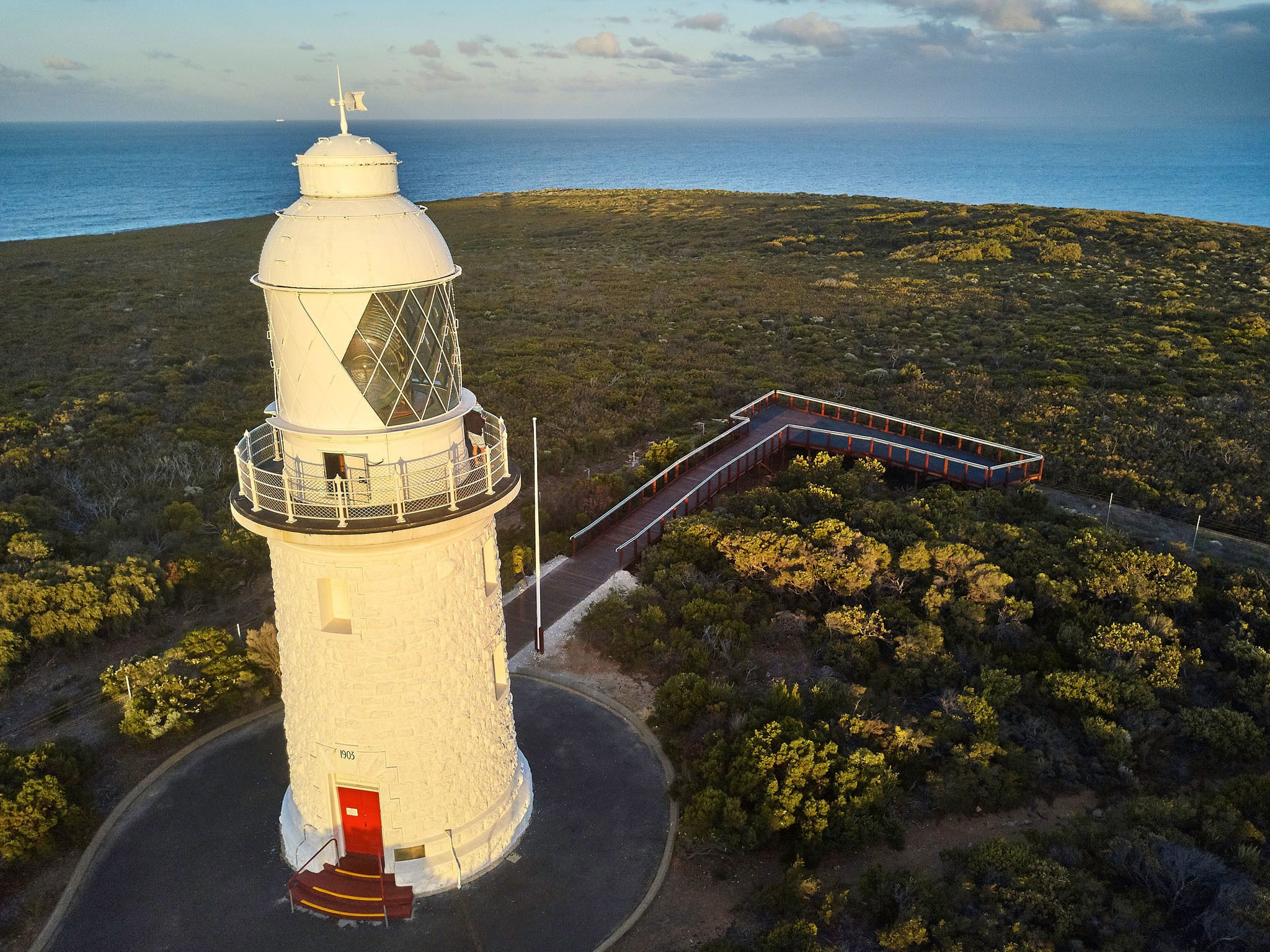 Cape Naturaliste Lighthouse Fully-guided Tower Tour