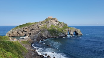 Basque Coast Tour: Game of Thrones Filming Locations