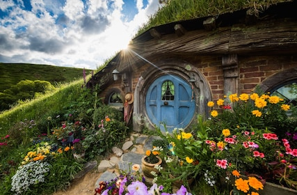 House and garden in Hobbiton, New Zealand