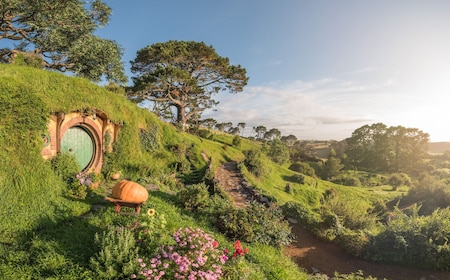 House and hills in Hobbiton, New Zealand