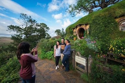 Tour group in Hobbiton, New Zealand